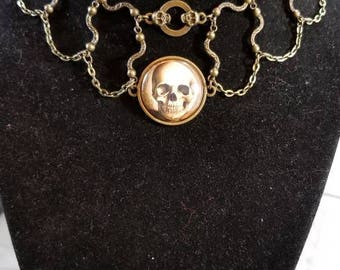 """14 1/2"""" Skull cabochon necklace with key toggle ends"""
