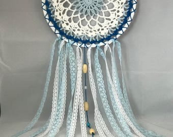 READY TO SHIP - Gorgeous white and blue dream catcher - crochet / gift