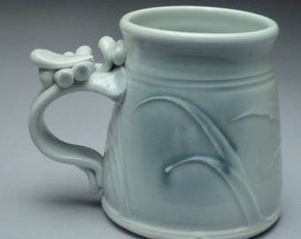 Mug with blue blush