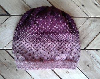 Speckled hat and fingerless gloves