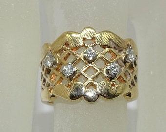 14K Diamond Ring . Diamond 0.10ct