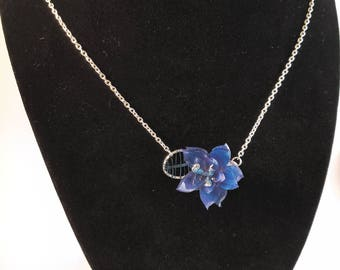 Blue Layered Flower and Leaf Pendant Necklace