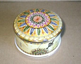 Wedgwood Atlas Round Box