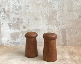 salt and pepper shakers // set of 2