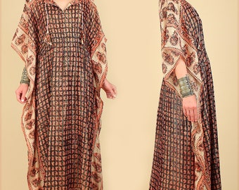 ViNtAgE 70's Indian Gauze Cotton Caftan // Draped Cocoon India Floral Maxi Dress // HiPPiE BoHo Gypsy Festival s m l