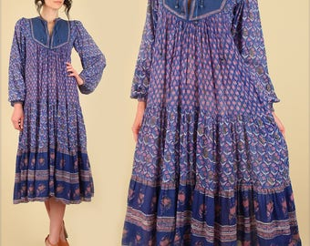 ViNtAgE Indian Dress Gauze Cotton // Rare 70's Bohemian Dress // Star of India Quilted Bib India Festival Dress Hippie BoHo Gypsy Blue