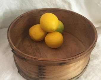 Shaker Round Pantry Box - Wooden Shakers Box - Fryes Measure Mill - Old Wood Handmade Round Box - Shaker Tradition - Handmade - Original