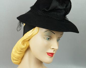 1940s Vintage Tilt Hat Black Felt Brim with Chimney Crown Wm Block