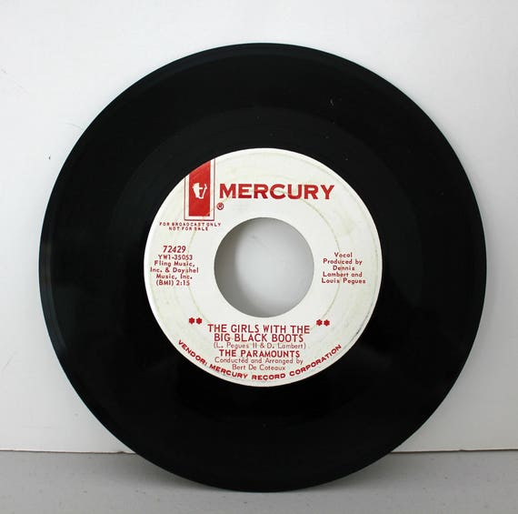The Paramounts 45rpm Vinyl Record, WLP 45 rpm on Mercury, Girl With Black Boots, Won't Share Love, Funk Soul