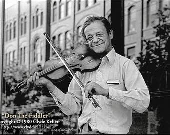 DON the VAGABOND FIDDLER, Pioneer Square, Clyde Keller photo