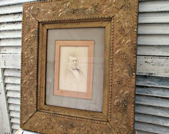 ANTiQuE WooD & GeSSO PiCTuRe FRaMe -GRaPe ViNe DeSiGN - CiRCa 1910