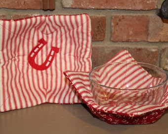 Embroidered Horse Shoe Microwave Safe Bowl Cozy Pot Holders. Set Of 2     FREE USA SHIPPING     (30004)