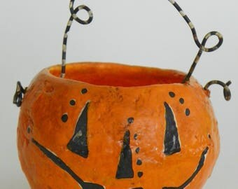 One of a Kind paper mache Halloween Jack-o-lantern pumpkin bucket folk art