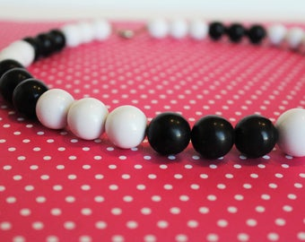 Midcentury Black and White Lucite Gumball Beaded Necklace