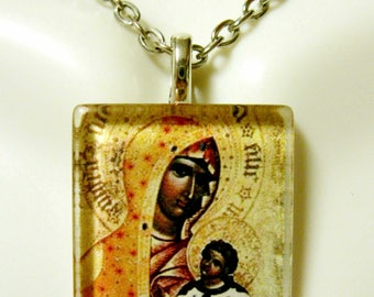 Madonna and child pendant with chain - GP02-167