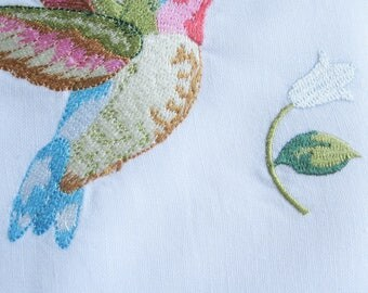 Hummingbird Vintage Embroidered Tea Towel, Hand Towel, High Tea, Shabby French Decor, French Linens by mailordervintage on etsy