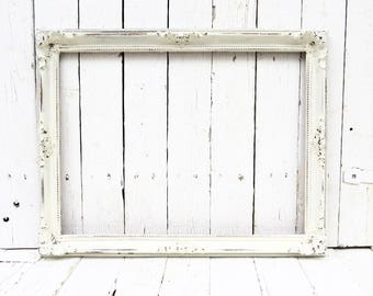 Antique White Frame, Old White Frame, Vintage Picture Frame, White Frame, Fancy Ornate Detailed Frame, Cottage Chic Decor, French Cottage