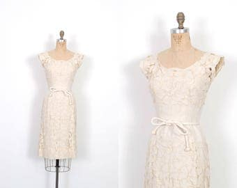Vintage 1950s Dress / 50s Floral Cutout Linen Wiggle Dress / Beige ( XS extra small )