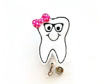 Tooth with Glasses - Dental Assistant Badge Holder - Dentist Badges - Orthodontist Badge - Orthodontic Assistant ID - Dental Hygienist Badge