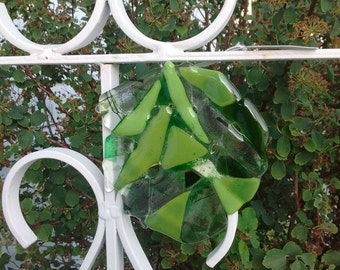 fused glass gift - fused glass - glass lover - green glass lover - glass gift - fused glass lover - green - sun catcher - glass lover gift