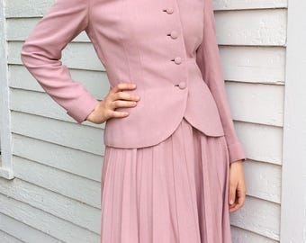 50s Pink Suit  Pleated Skirt Jacket Vintage 1950s 36 26 S