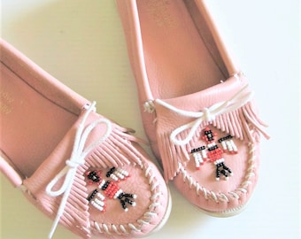 Vintage Pink Leather Moccasins / Tribal Leather Native American Flats / Woman's Size 10 Oxford Shoes / MINNETONKA