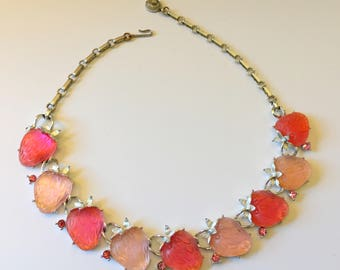 Lisner Strawberries Necklace, Vintage Jewelry, Pink Necklace, 1960s Lucite Choker, Lisner Jewelry, Pink Rhinestones, 60s Vintage Necklace