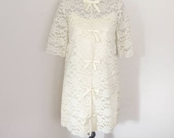 Vintage 60s 1960s Short Lace Wedding Dress Mini with Bows - Twiggy - Reception Dress - Rehearsal Dress - Bridal Gown