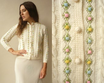 1950's 1960's Vintage Cream Pretty Floral Embroidered Wool Trophy Cardigan Size S/M