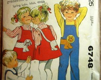 Vintage 1970s Toddlers Jumpsuit, Jumper and Appliques Size 2 McCalls Pattern 6748 UNCUT