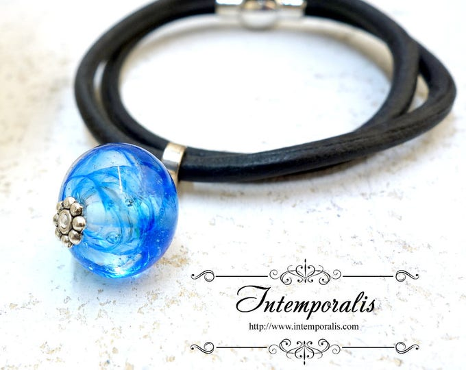 Lampwork and black leather bracelet, blue, OOAK, SABRLWCU01