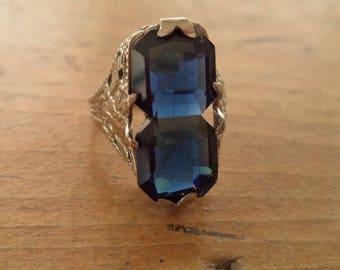 Antique 10K Art Deco Edwardian White Gold Filigree Sapphire Blue Glass Ring
