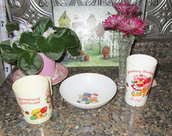 Vintage 1980's Strawberry Shortcake American Greetings Bowl and Two Cups