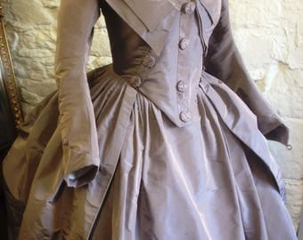 18th Century Zone-front Redingote Gown in lilac or green silk Size S