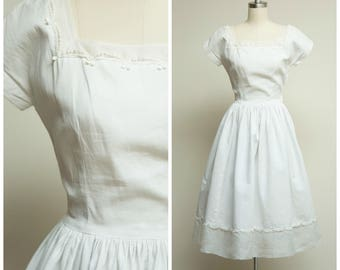Vintage 1950s Dress • Falling Faster • White Cotton Pique 50s Day Dress Size XSmall