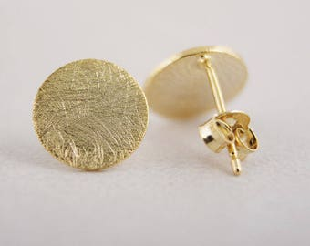 Gold Geometric Circle Stud Earrings, Brushed Gold Metal, Simple Jewelry, Minimal Earrings