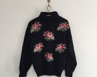 Vintage Rose Needlepoint Black Wool Turtleneck Sweater S