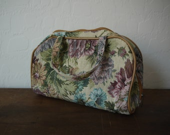 Vintage 90s Floral Tapestry and Tan Faux Leather Weekender Traveling Case Carry On Bag / Floral Tapestry Luggage Travel makeup bag, small