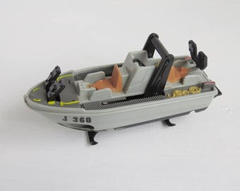 Vintage 1998 Mattel Matchbox J360 Boat