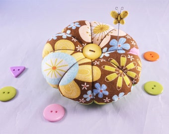 Flower and Polka Dot Pincushion, Retro Quilted Flower Pincushion, Reversible Pincushion with Decorative Pins