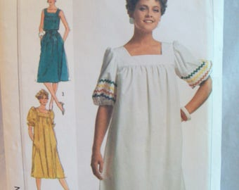 Easy to Sew Pullover Dress and Sash Simplicity 7427 Sizes 12, 14