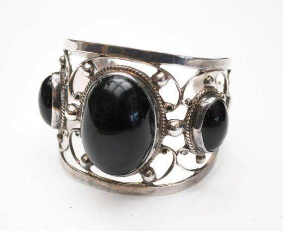 Large Sterling Onyx  Cuff Bangle  - Signed Farfan -  Mexico  - Silver openwork  - Black gemstone - Tribal  Bracelet