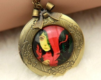 Necklace locket Little Red Riding Hood 2020m