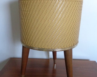 Vintage Mid Century Three legged  Sewing Basket with original Insert