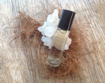 Only That Moon Roll-On Perfume Oil infused with Clear Quartz Chips