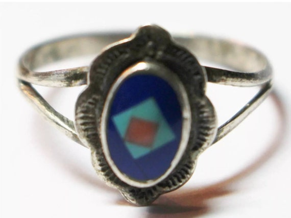 Vintage Southwestern Stamped Silver Ring with Turquoise Lapis & coral inlays Size 8