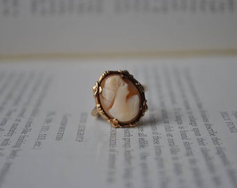Vintage 10k Gold Cameo Ring - 1940s Art Deco Style Cameo Ring