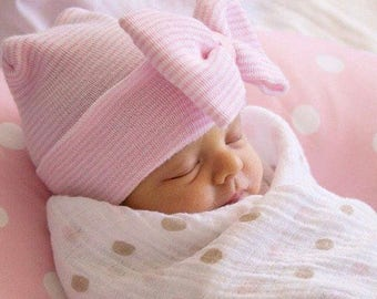 Pink and White Hospital Newborn Beanie, with matching Pink&White Newborn's First Bow! Newborn Hat, Baby Girl Hospital Hat, Newborn Girl Hat
