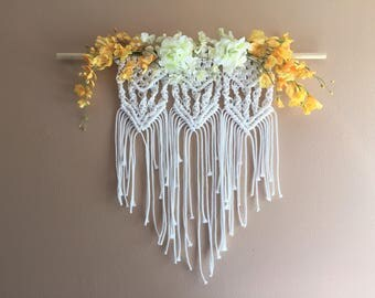 Flower Macrame Wall Hanging Decor Boho Bohemian Nursery Girl Bedroom White Yellow Spring Flowers Tribal Large Tapestry Tassels Centerpiece