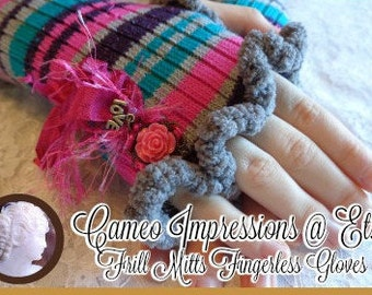 Design Your Own Frill Mitts Fingerless Gloves